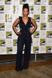 """Candice Patton at """"The Flash"""" Panel at Comic-Con in San Diego 2018/07/21 5"""
