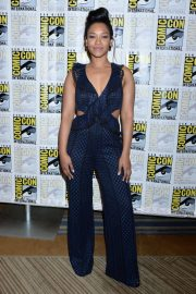 """Candice Patton at """"The Flash"""" Panel at Comic-Con in San Diego 2018/07/21 7"""