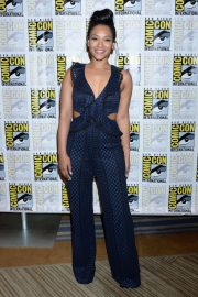 """Candice Patton at """"The Flash"""" Panel at Comic-Con in San Diego 2018/07/21 8"""