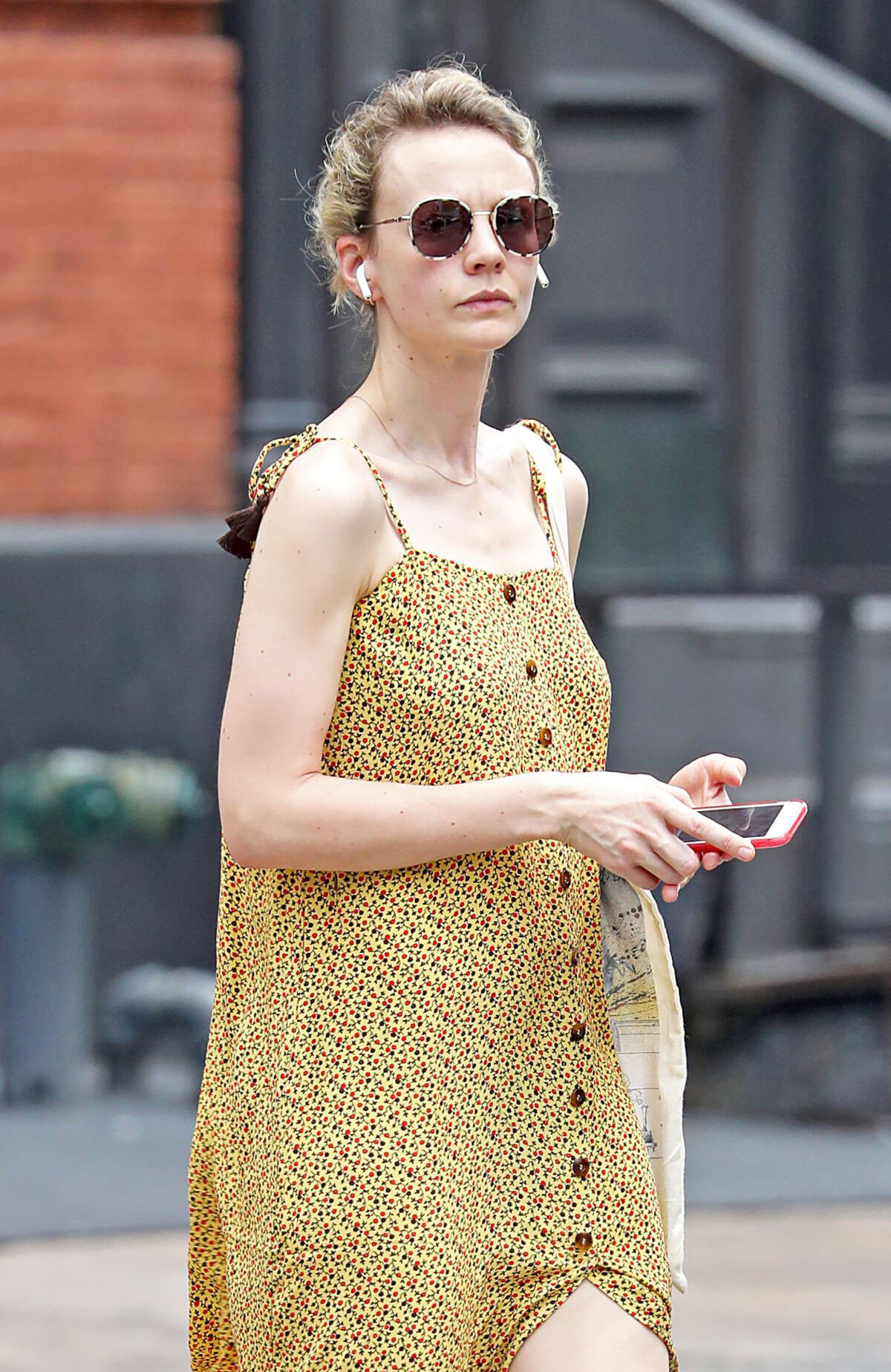 Carey Mulligan Out in New York 2018/07/17 1
