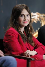 Carice van Houten at Game of Thrones Press Conference in Paris 2018/05/31 6
