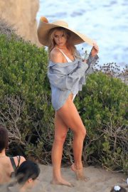Charlotte McKinney on the Set of a Photoshoot at a Beach in Malibu 2018/07/06 5