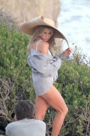 Charlotte McKinney on the Set of a Photoshoot at a Beach in Malibu 2018/07/06 8