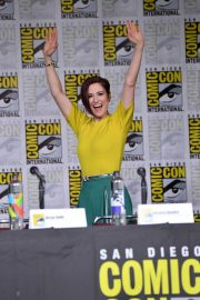 Chyler Leigh at Supergirl Panel Comic-con in San Diego 2018/07/21 2