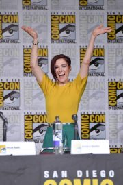Chyler Leigh at Supergirl Panel Comic-con in San Diego 2018/07/21 6
