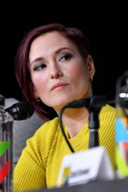 Chyler Leigh at Supergirl Panel Comic-con in San Diego 2018/07/21 7