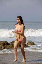 Claudia Alende in Bikini on the Beach in Malibu 2018/07/17 9