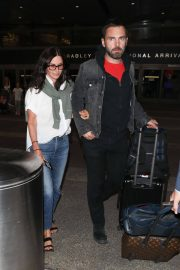 Courteney Cox and Johnny McDaid at LAX Airport in Los Angeles 2018/07/27 8