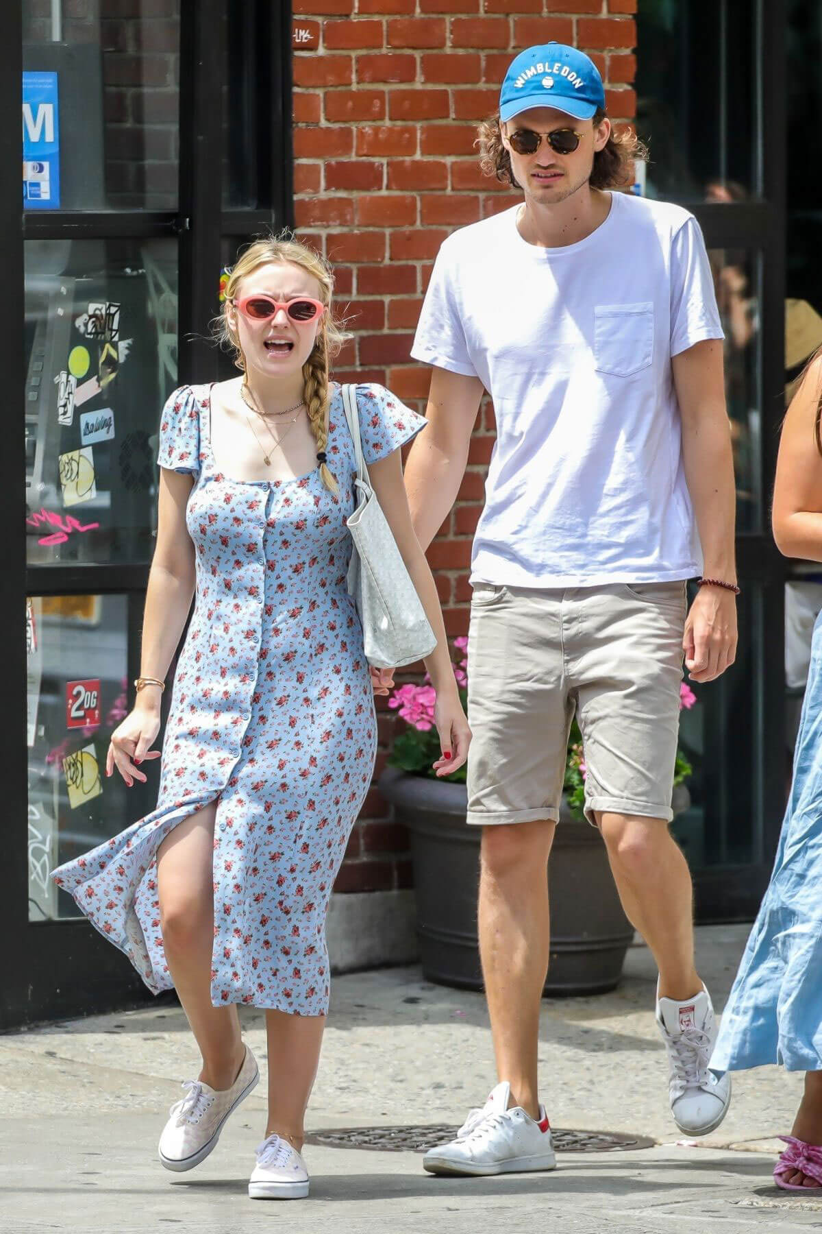 Dakota Fanning and Henry Frye Out for Lunch in New York 2018/07/21 1