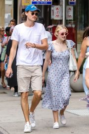 Dakota Fanning and Henry Frye Out for Lunch in New York 2018/07/21 2