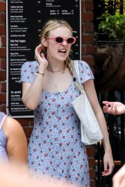 Dakota Fanning and Henry Frye Out for Lunch in New York 2018/07/21 10