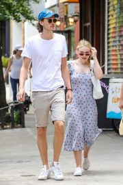 Dakota Fanning and Henry Frye Out for Lunch in New York 2018/07/21 14