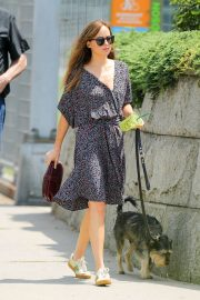 Dakota Johnson Out with Her Dog in New York 2018/07/21 13