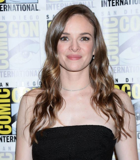 Danielle Panabaker at The Flash Photocall at Comic-con in San Diego 2018/07/21 1