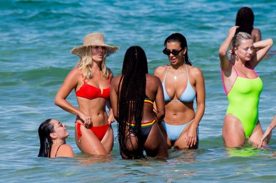 Devin Brugman, Natasha Oakley and Caroline Vreeland in Bikini at a Beach in Miami 2018/07/15 1