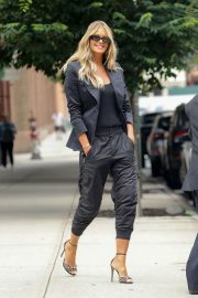 Elle Macpherson Out and About in New York 2018/07/27 3