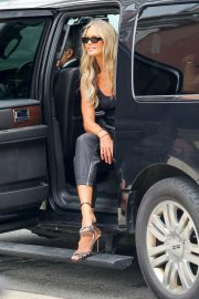 Elle Macpherson Out and About in New York 2018/07/27 11