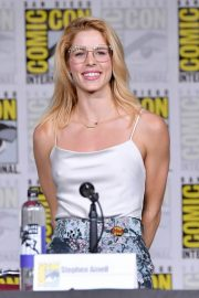 Emily Bett Rickards at Arrow Panel at Comic-con in San Diego 2018/07/21 4