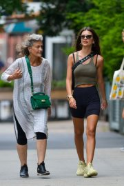 Emily Ratajkowski in Tights Out in New York 2018/07/27 8