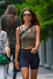 Emily Ratajkowski in Tights Out in New York 2018/07/27 10