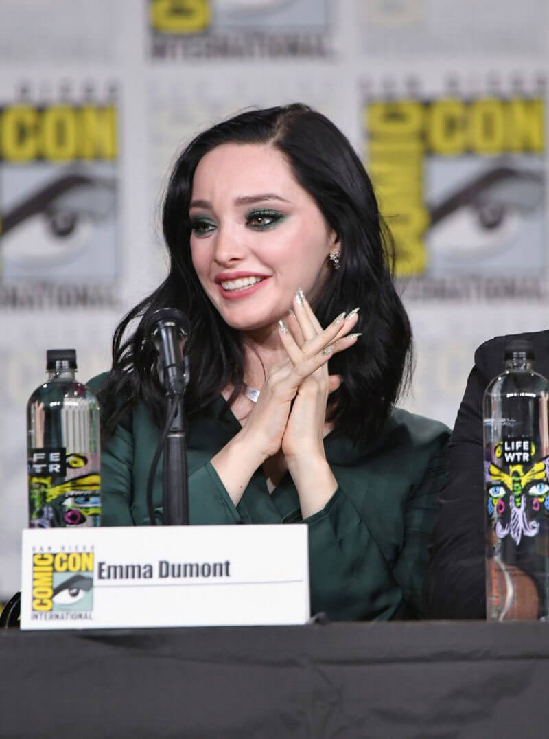 Emma Dumont at The Gifted Panel at Comic-con in San Diego 2018/07/21 1