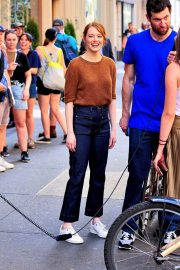 Emma Stone on The Set of Comedy in New York 2018/07/17 2