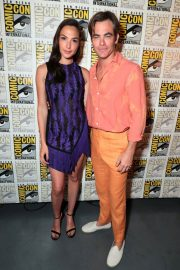 Gal Gadot and Chris Pine at Warner Bros Photocall at Comic-con in San Diego 2018/07/21 5