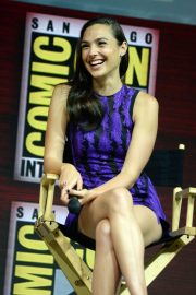 Gal Gadot Warner Bros Panel at Comic-Con 2018 in San Diego 2018/07/21 8
