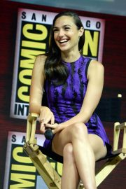 Gal Gadot Warner Bros Panel at Comic-Con 2018 in San Diego 2018/07/21 9