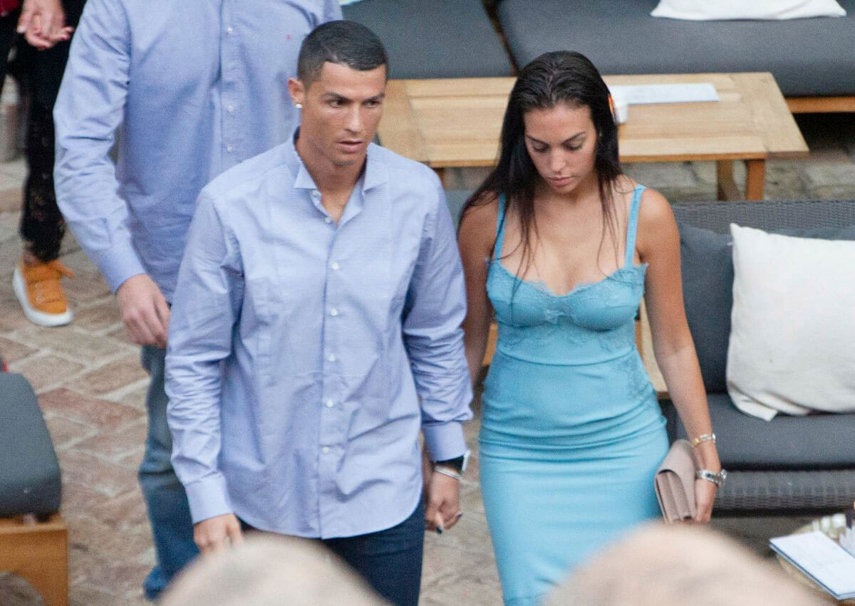 Georgina Rodríguez and Cristiano Ronaldo Out in Malaga 2018/05/30 1