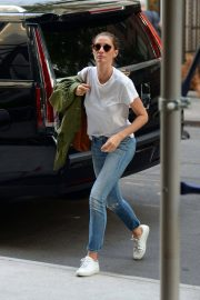 Gisele Bundchen  Arrivies at Her Home in New York 2018/06/26 5