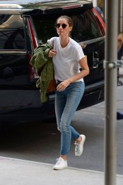 Gisele Bundchen  Arrivies at Her Home in New York 2018/06/26 6