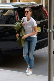 Gisele Bundchen  Arrivies at Her Home in New York 2018/06/26 9