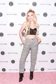 Griffin Arnlund at Los Angeles Beautycon Festival 2018/07/14 3