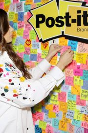 Hailee Steinfeld at Post-it's Inspire Students to Make Dreams Stick in New York 2018/07/23 4