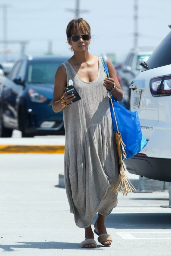 Halle Berry Shopping at Ikea in Burbank 2018/07/28 1