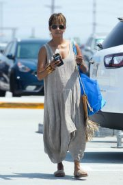 Halle Berry Shopping at Ikea in Burbank 2018/07/28 3