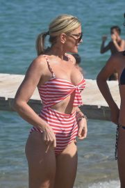 Hofit Golan in Swimsuit at club 55 in St Tropez 2018/07/24 7