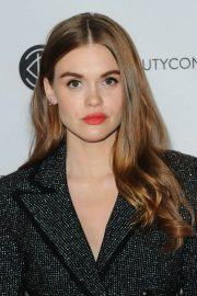 Holland Roden at Los Angeles Beautycon Festival 2018/07/14 7