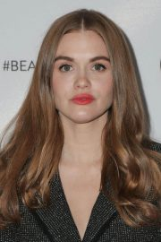 Holland Roden at Los Angeles Beautycon Festival 2018/07/14 8