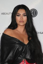 Hrush Achemyan at Los Angeles Beautycon Festival 2018/07/14 6