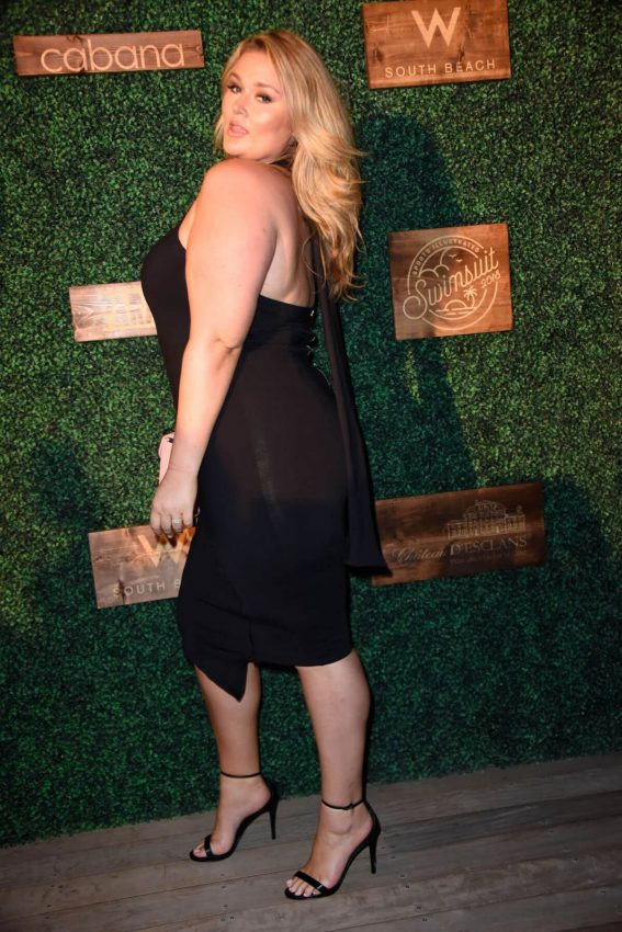 Hunter McGrady at 2018 Sports Illustrated Swimsuit Show at Miami Swim Week 2018/07/15 1