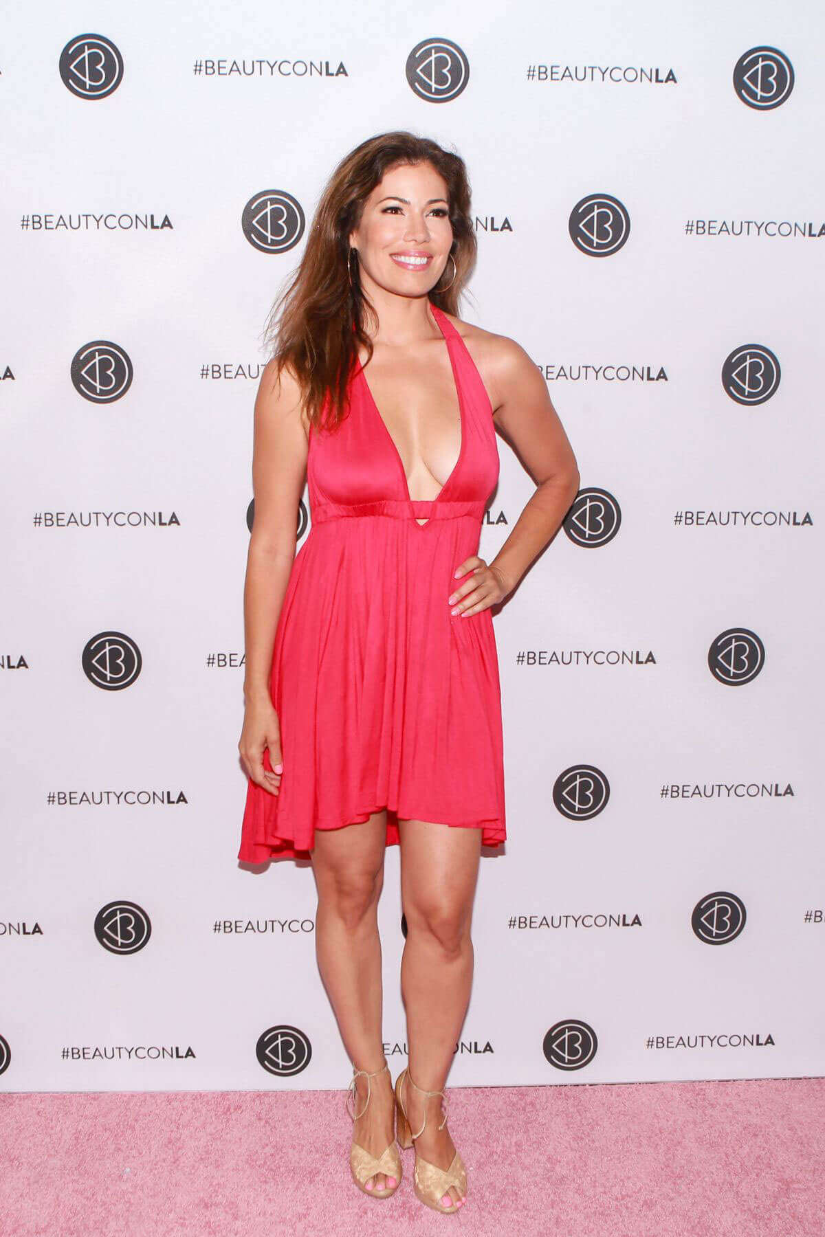 Iris Almario at Los Angeles Beautycon Festival 2018/07/14 1