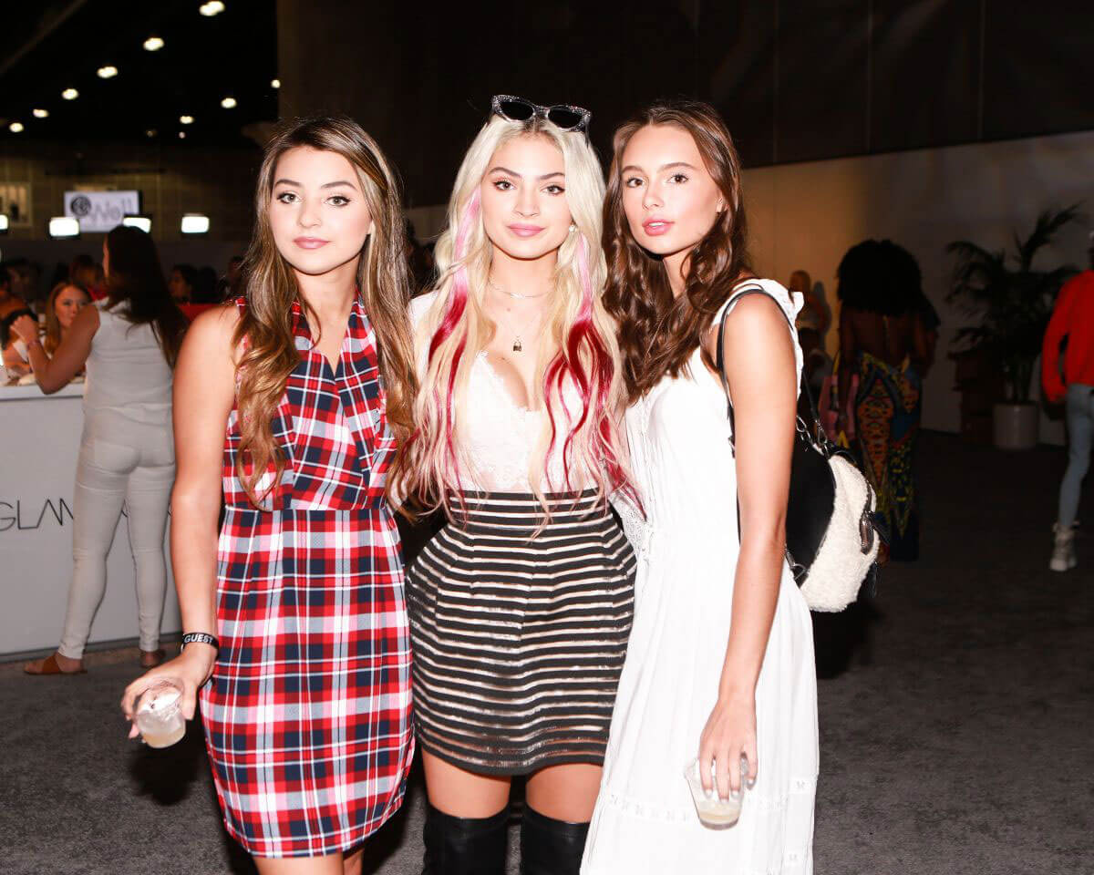 Isabella Durham, Carrington Durham and Makenzie Rooney at Los Angeles Beautycon Festival 2018/07/14 1