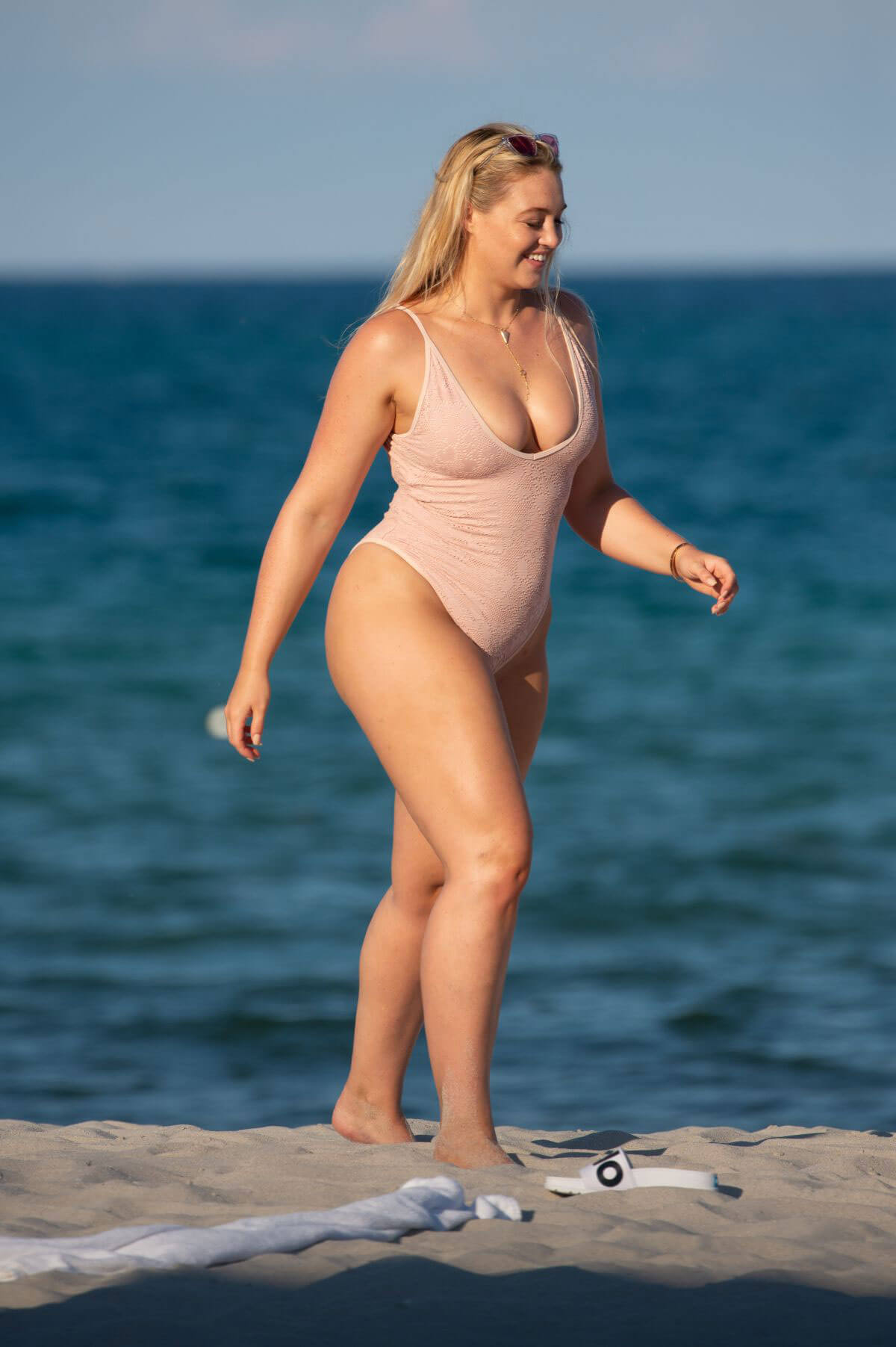 Iskra Lawrence in Swimsuit at a Beach in Miami 2018/07/14 1
