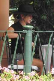 Jennifer Aniston Out for Lunch in Portofino 2018/07/21 7
