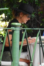 Jennifer Aniston Out for Lunch in Portofino 2018/07/21 8