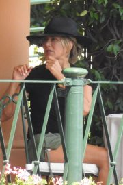 Jennifer Aniston Out for Lunch in Portofino 2018/07/21 10