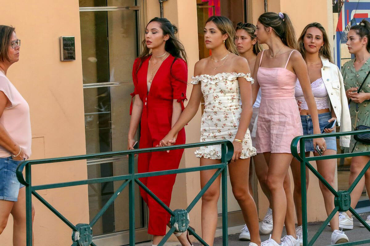 Jennifer Flavin, Sistine, Sophia and Scarlet Rose Stallone Out in Saint Tropez 2018/07/12 1
