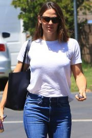 Jennifer Garner Out and About in Brentwood 2018/07/03 15